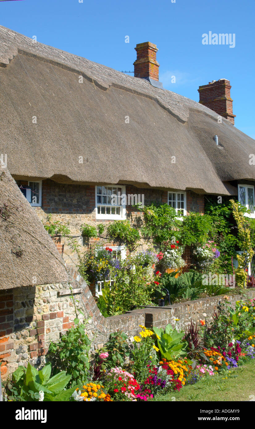 europe uk england sussex selsey thatched cottage - Stock Image