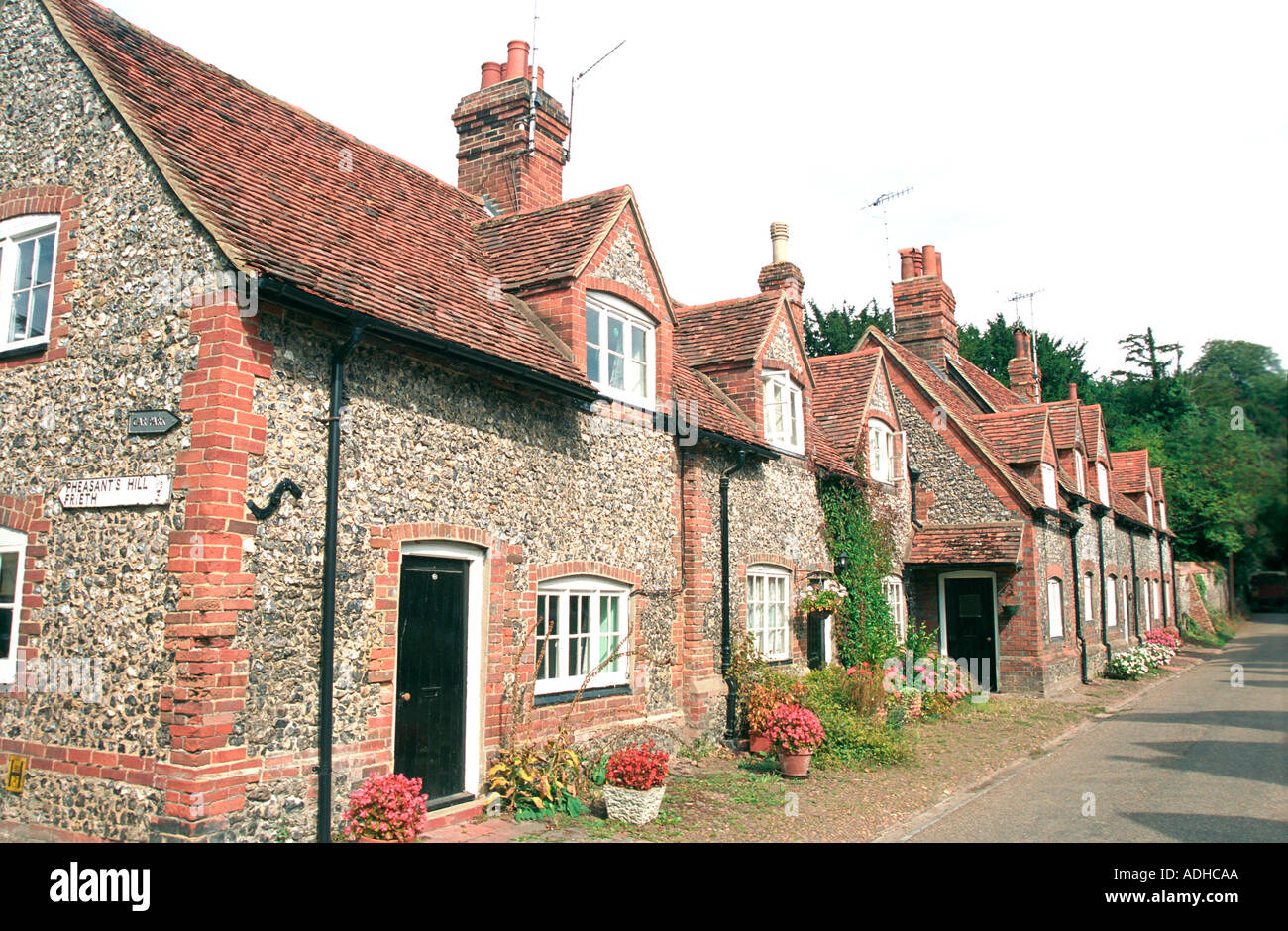 Classic English cottage scene of many films and TV shows - Stock Image