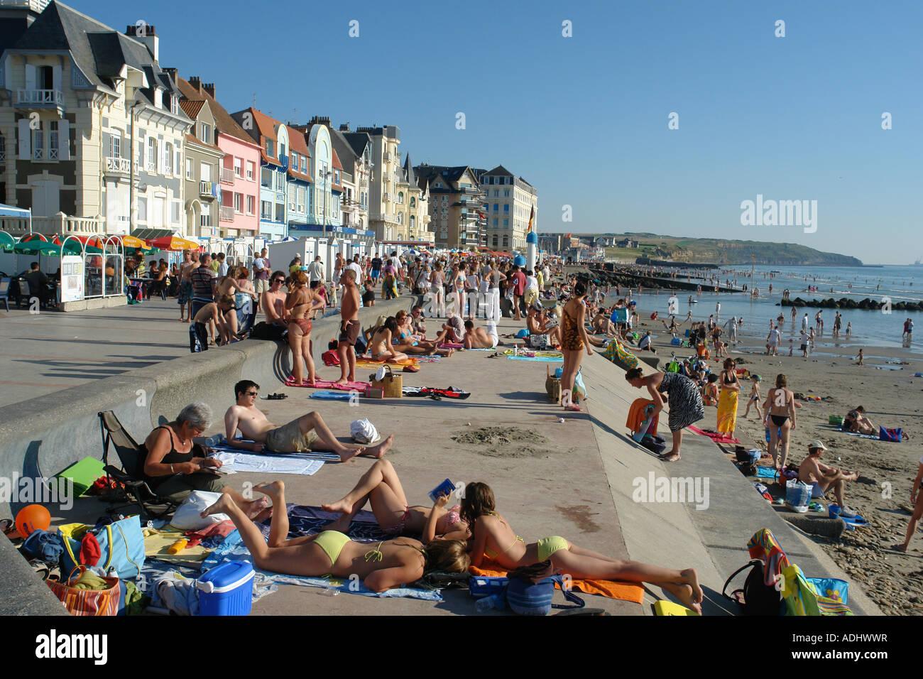 seafront of wimereux cote d 39 opale pas de calais france stock photo 13427650 alamy. Black Bedroom Furniture Sets. Home Design Ideas