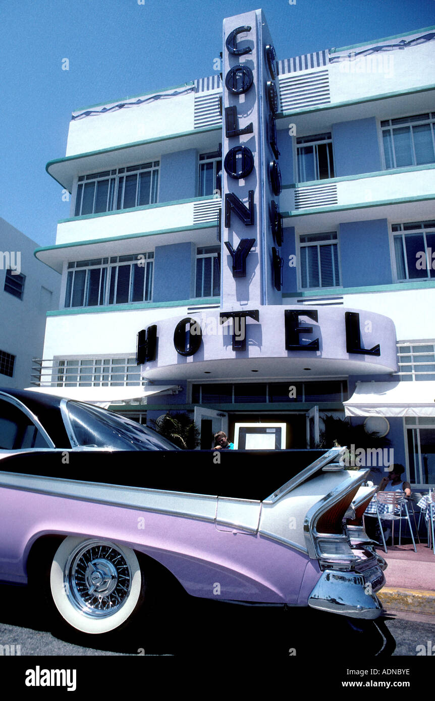 Classic 1950's pink Cadillac car parked by Colony Hotel, on Ocean Drive in South Beach, Miami, Florida, USA - Stock Image