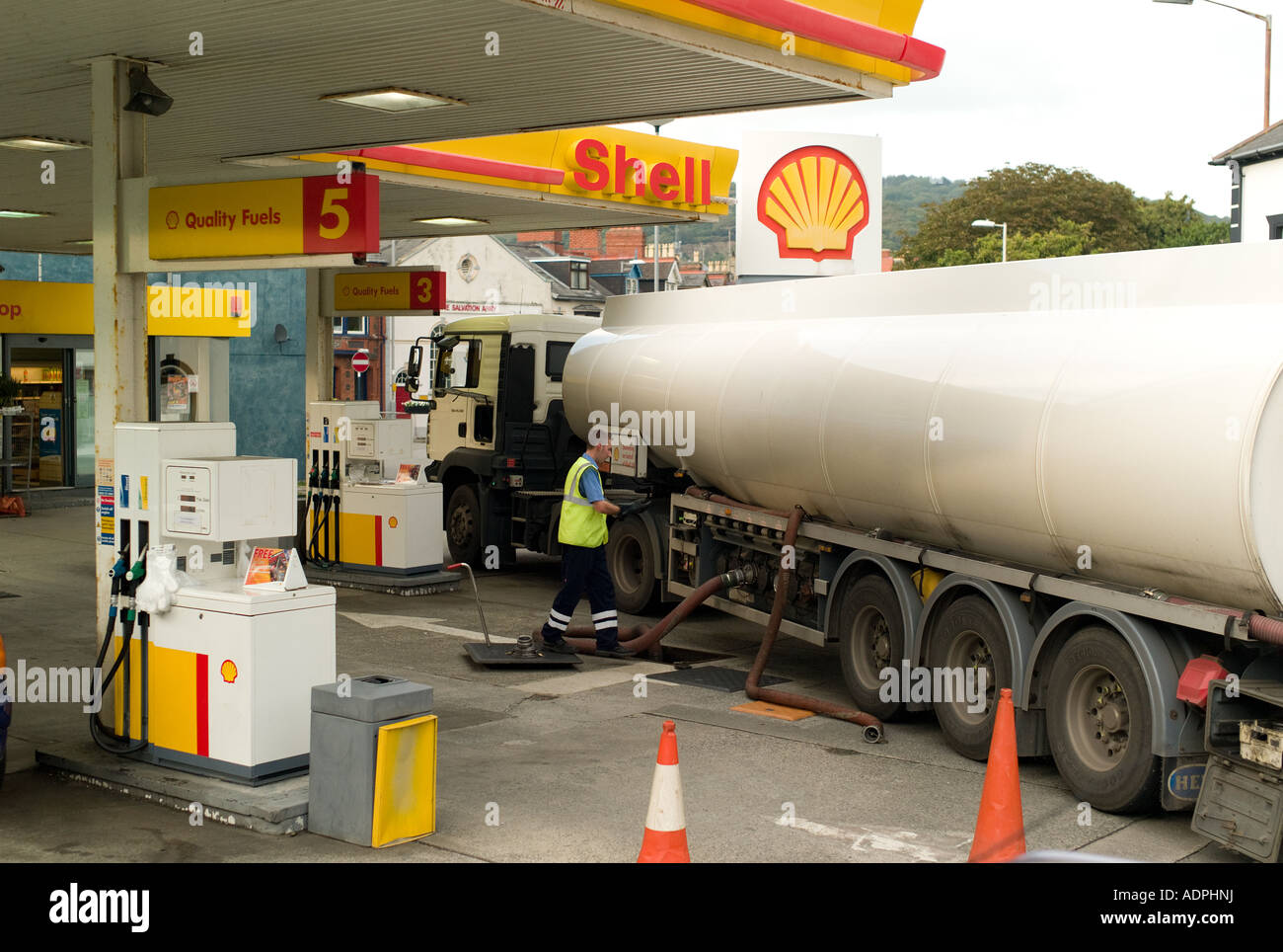 tanker lorry truck delivering bulk petrol and diesel fuel to refuel stock photo 13471949 alamy. Black Bedroom Furniture Sets. Home Design Ideas