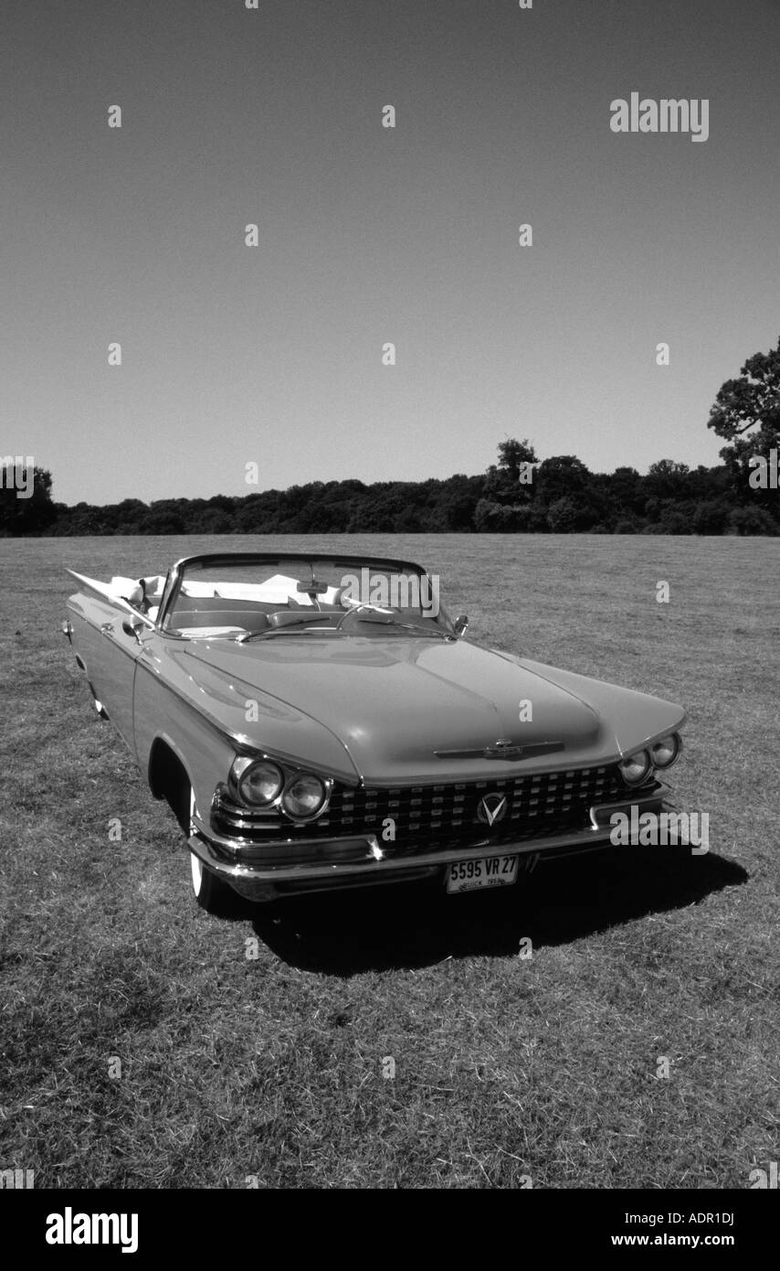 Black Convertible Top And White Stock Photos Images Alamy 1955 Buick Electra 225 4800 Coupe Of 1959 Image