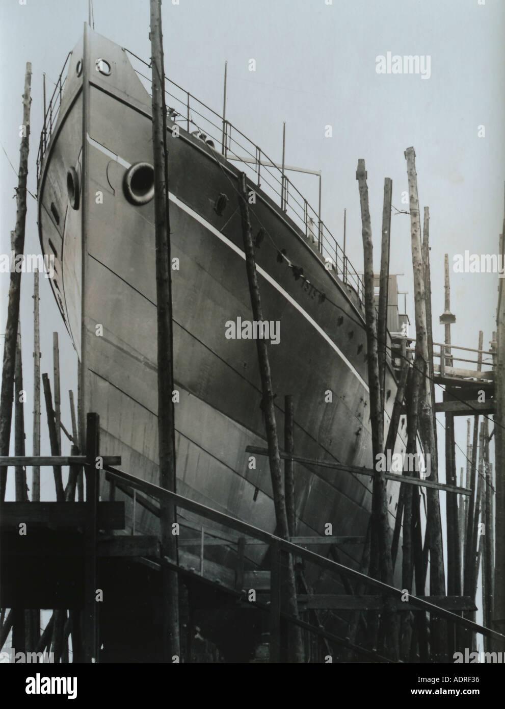 UK Scotland Greenock shipyard of the 1890 s building the SS Isis - Stock Image