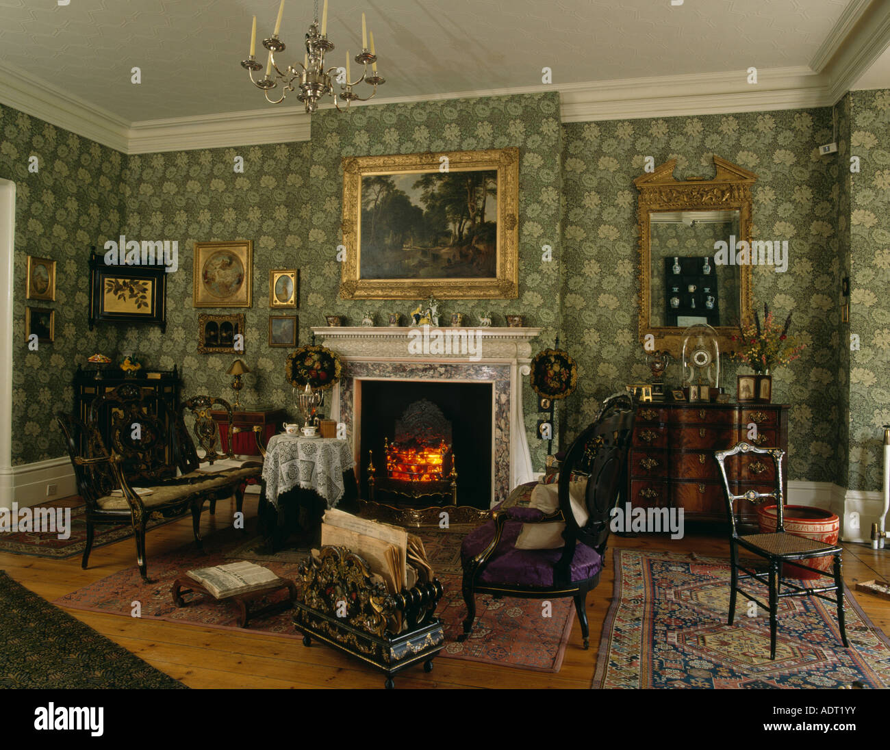 Edwardian Livingroom With Green William Morris Wallpaper And