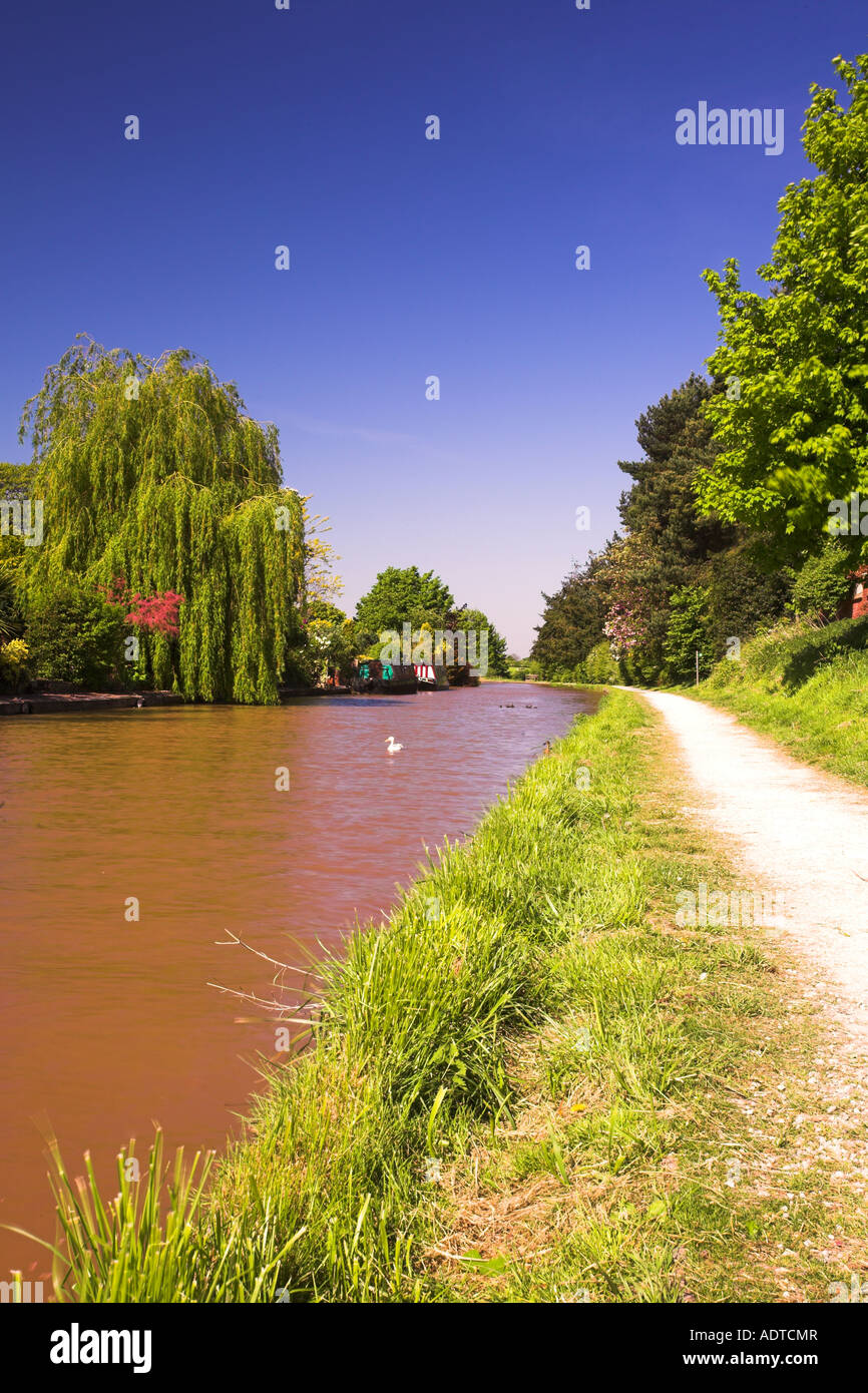 Canal in Middlewich, Cheshire, England - Stock Image