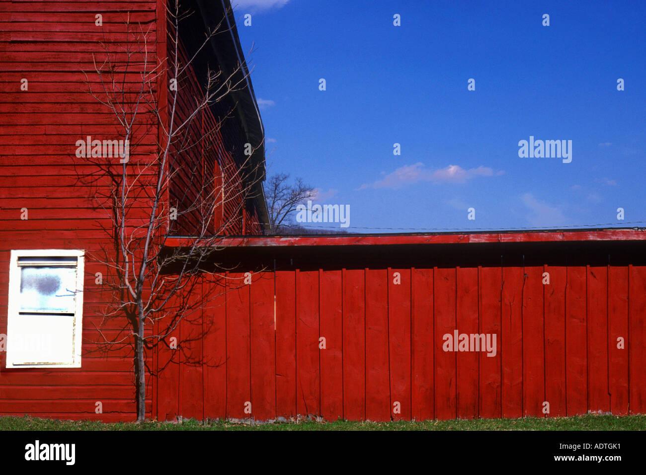 Massachusetts Red Barn Sandra Baker USA - Stock Image