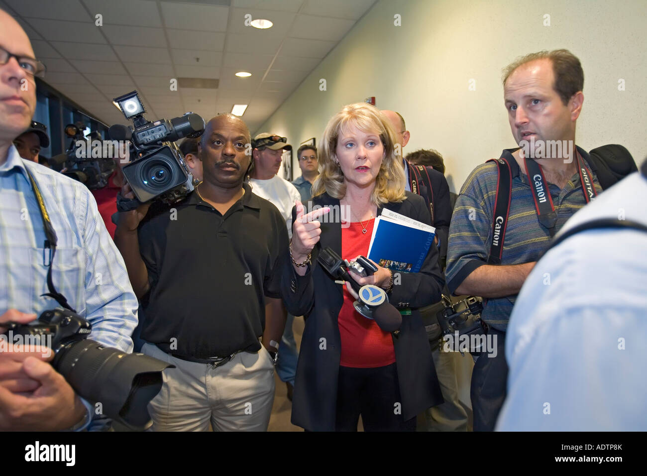 Journalists Await Beginning of UAW-Chrysler Contract Talks - Stock Image