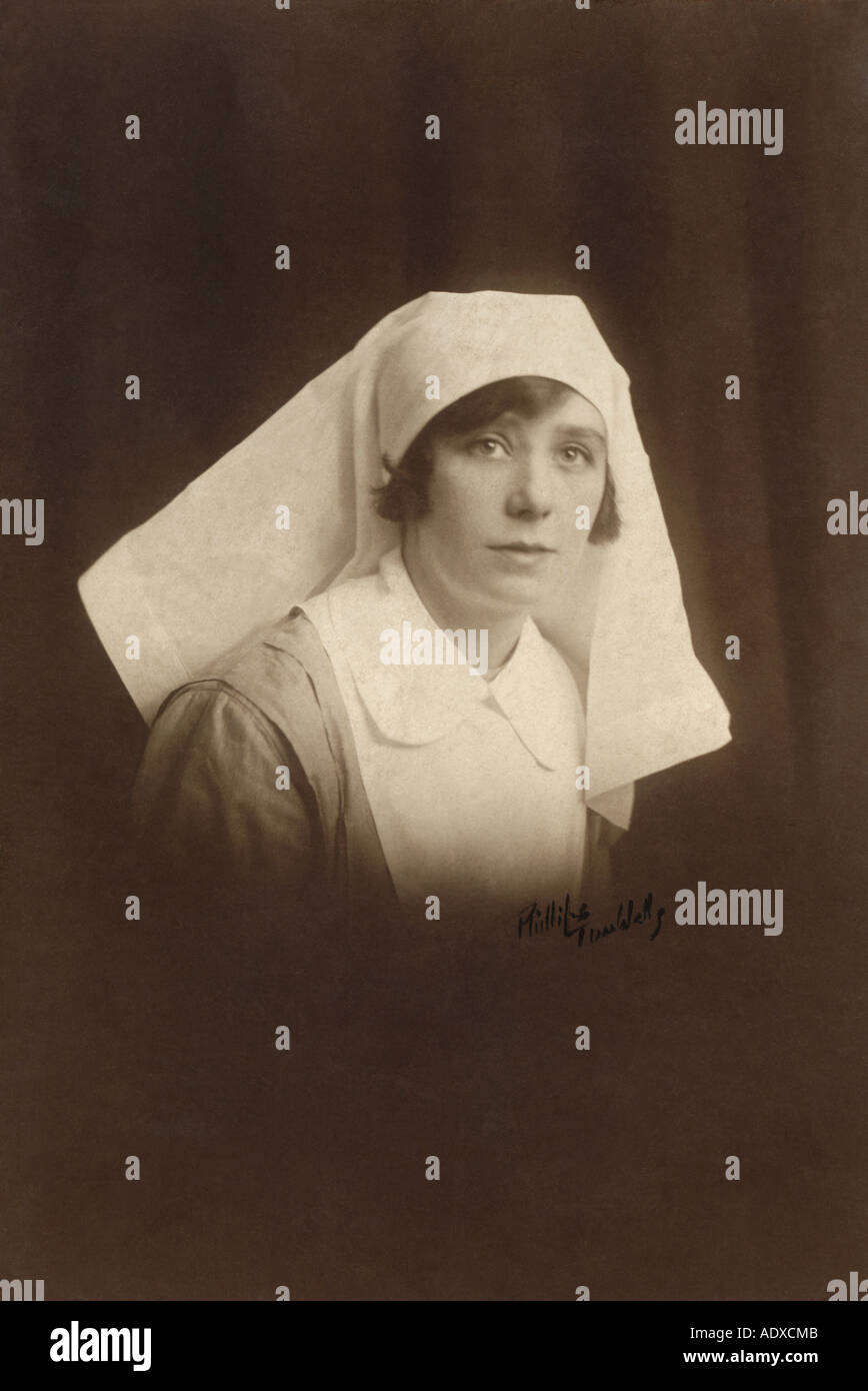 Portrait of pretty WW1 (WWi) nurse, Tunbridge Wells, U.K. - Stock Image