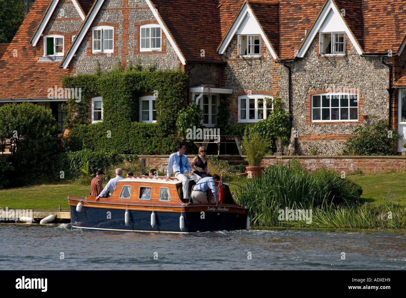 Boating on Thames Near Henley Oxfordshire - Stock Image