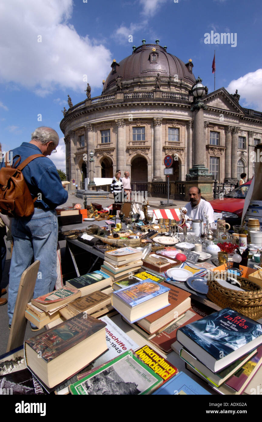 Flohmarkt Berlin High Resolution Stock Photography And Images Alamy