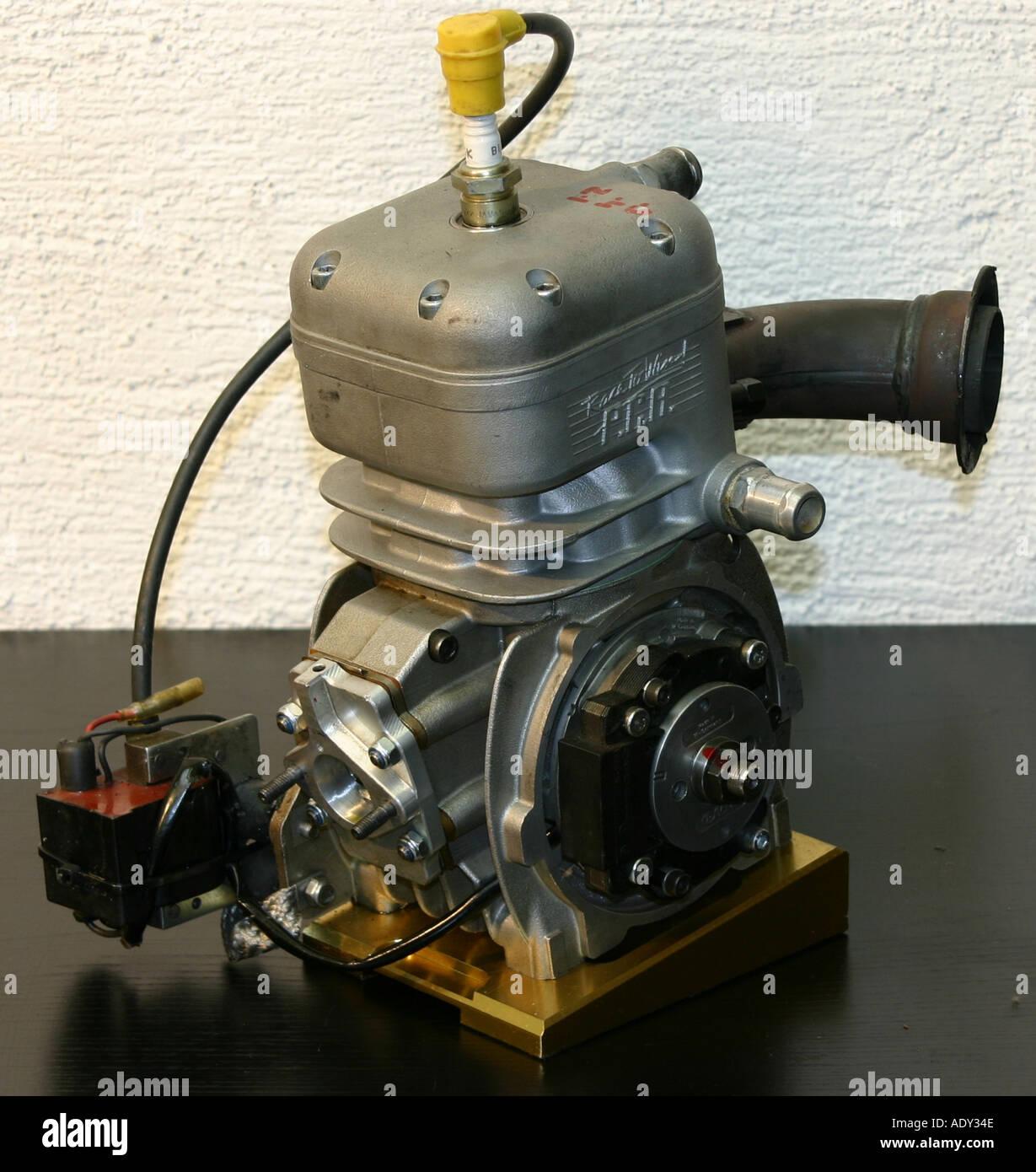 4 Stroke Engine Stock Photos Images Alamy Honda Cb750 Cutaway 100cc Cart Watercooled Image
