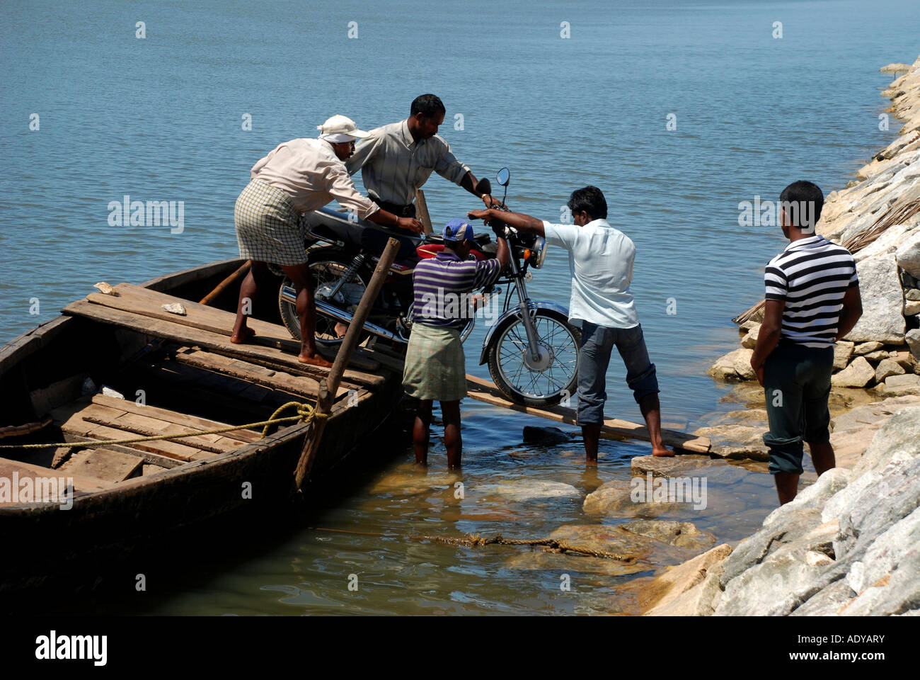 rowing boat service in kerala backwhater - Stock Image