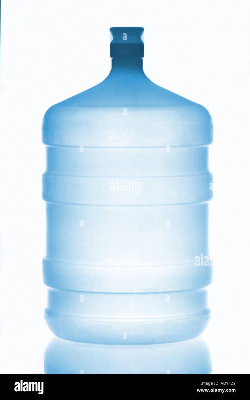 Liquid II water liquid blue splash wet aqua transparent clear reflection reflect bottle 20l 5l gallon - Stock Image