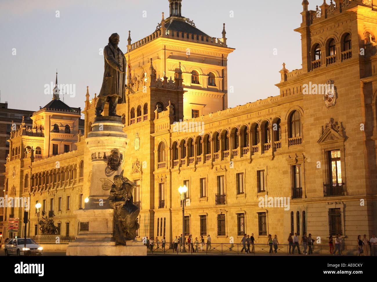 Academia de Caballeria with statue to Zorrilla in Plaza Zorrilla Square, Valladolid, Castile and Leon, Spain - Stock Image