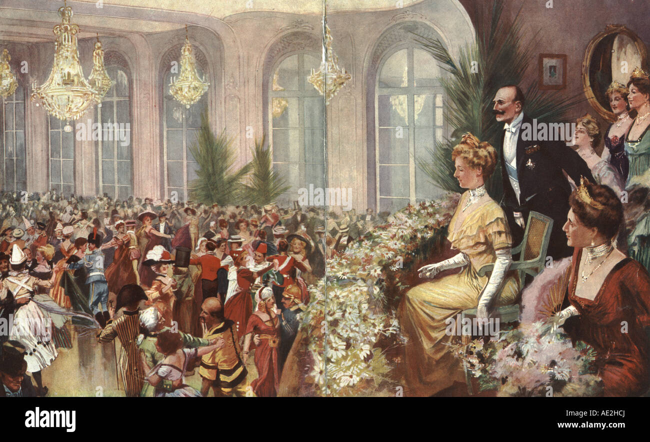 Fancy dress ball at the Savoy Hotel, London, 1912 in aid of the Middlesex Hospital watched by the Prince  Alexander - Stock Image