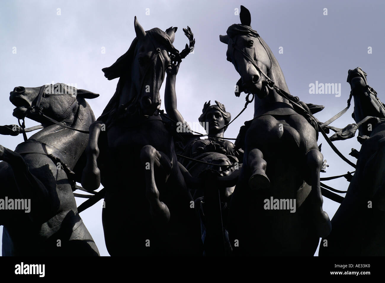 Statues at top of Constitution Arch, Hyde Park Corner, London - Stock Image