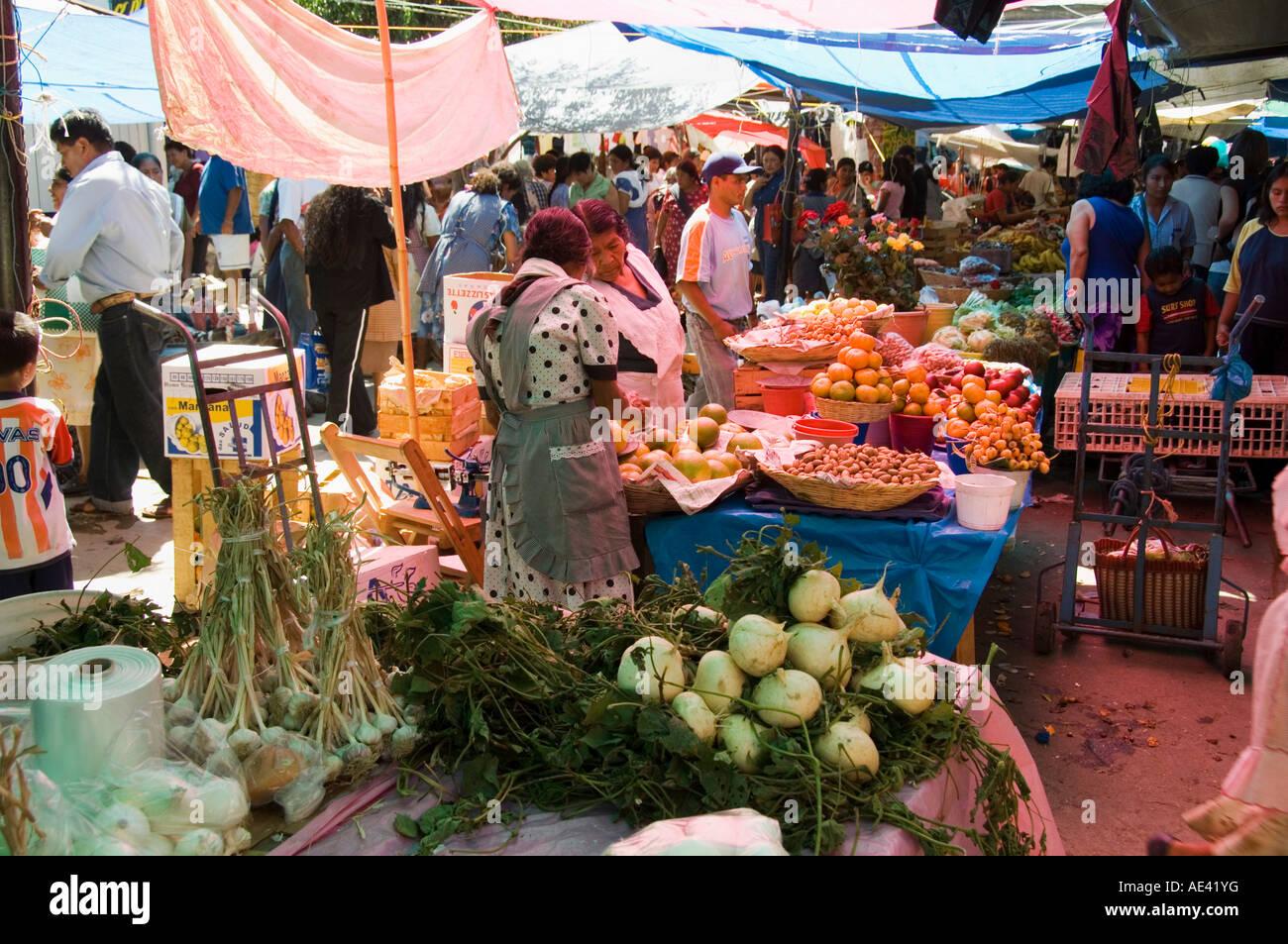 5f6d249e1b Market day at Zaachila