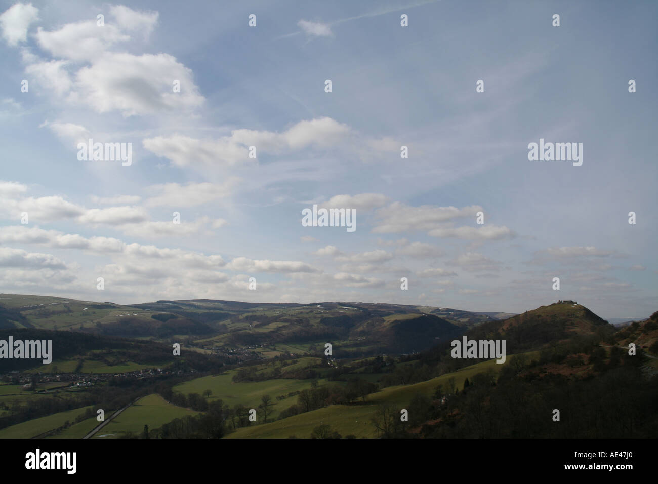 The Dee Valley and Castell Dinas Bran, Llangollen, Wales - Stock Image