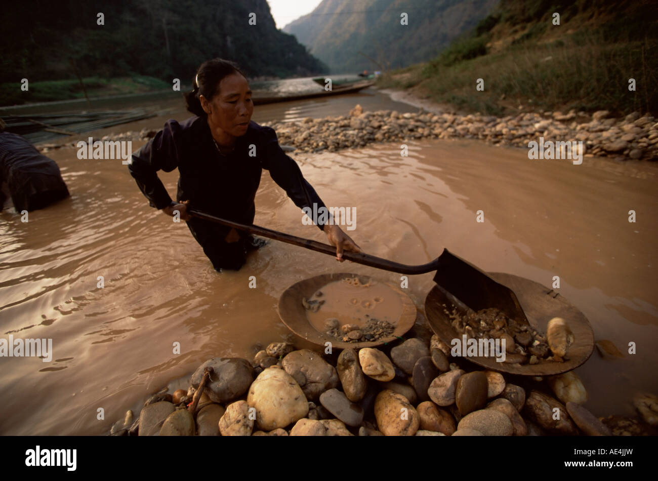Gold panning, Nong Kiew, River Nam Ou, Laos, Indochina, Southeast Asia, Asia - Stock Image