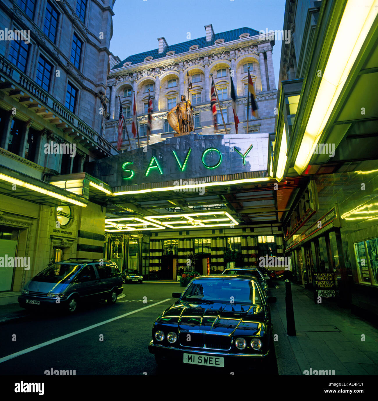 Savoy Hotel private driveway and entrance at dusk in 1990s - Stock Image