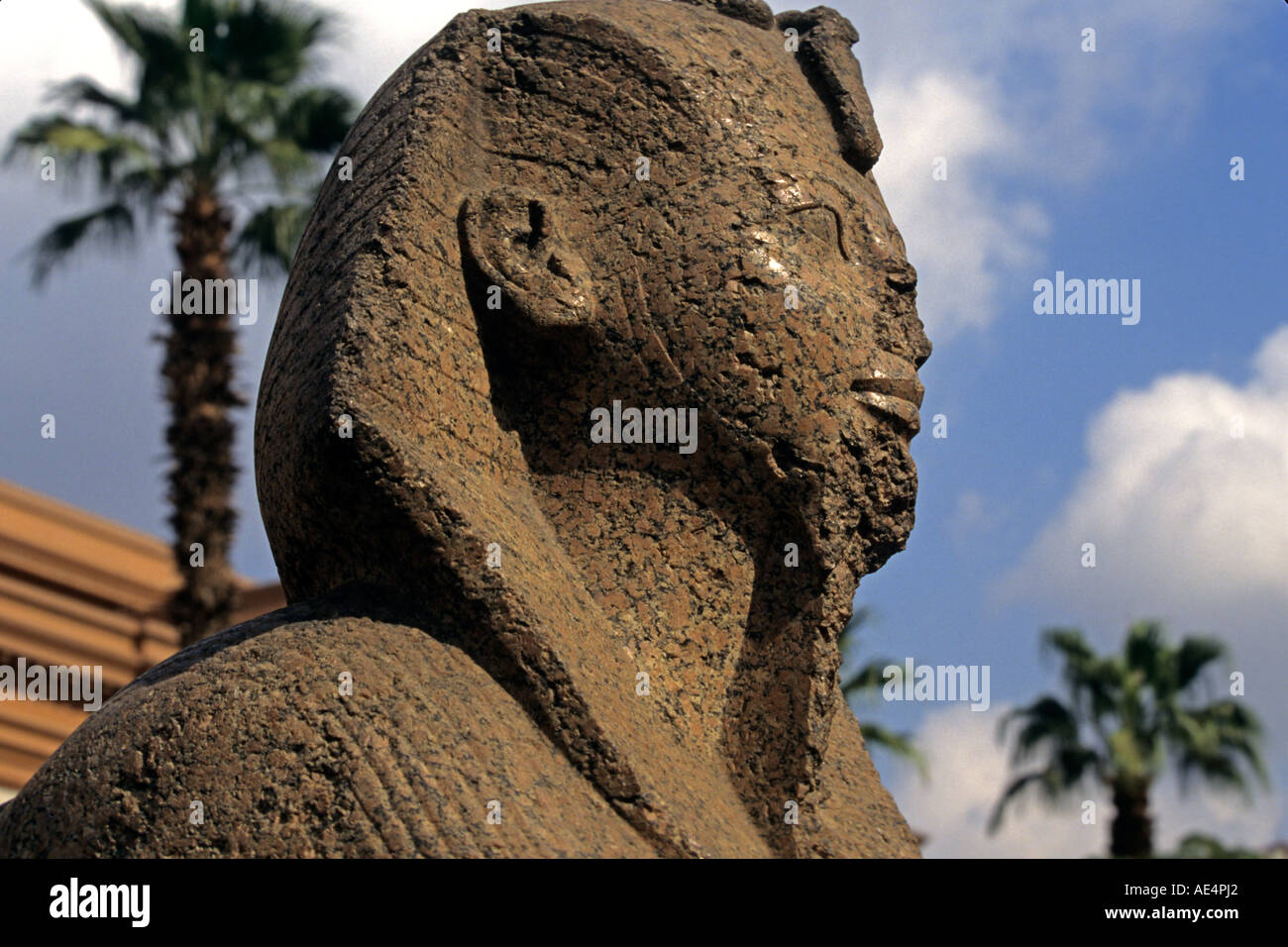 Ancient sculpture stands outside the Cairo Museum, Egypt. - Stock Image