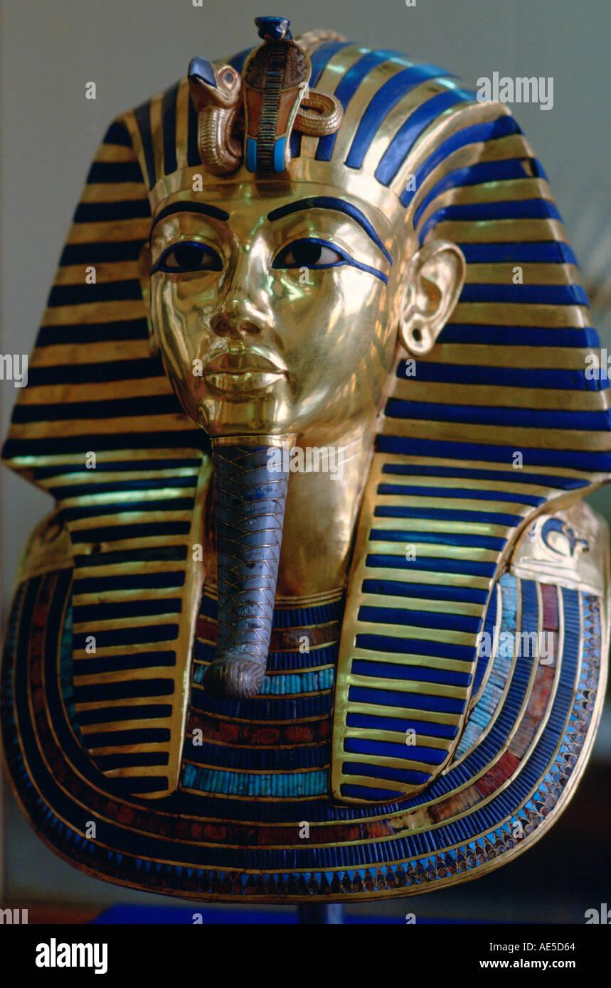 Mask of King Tutankhamun displayed in the Cairo Museum Egypt - Stock Image