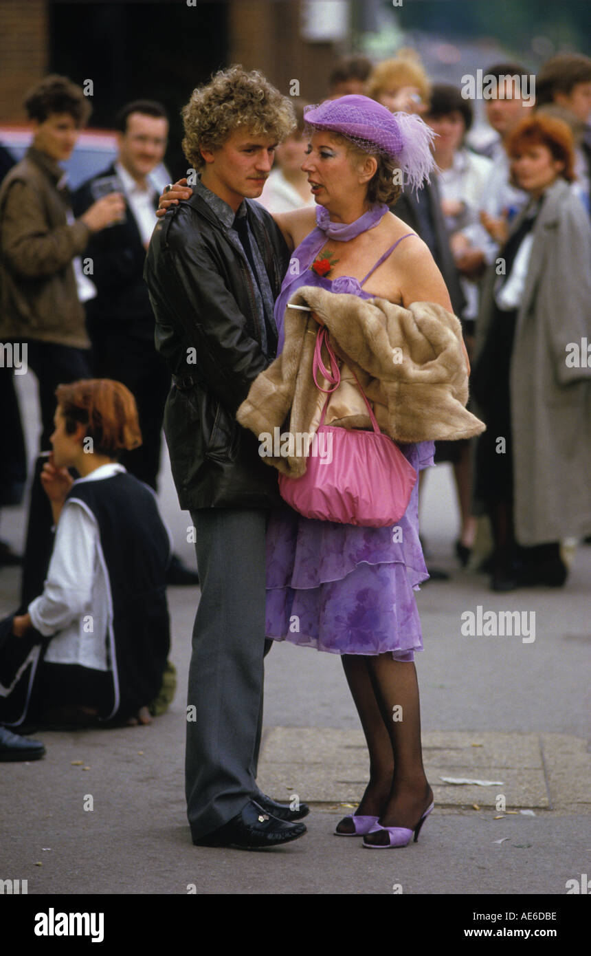 Couple 'age difference' [Royal Ascot] Horse racing Berkshire  England HOMER SYKES - Stock Image