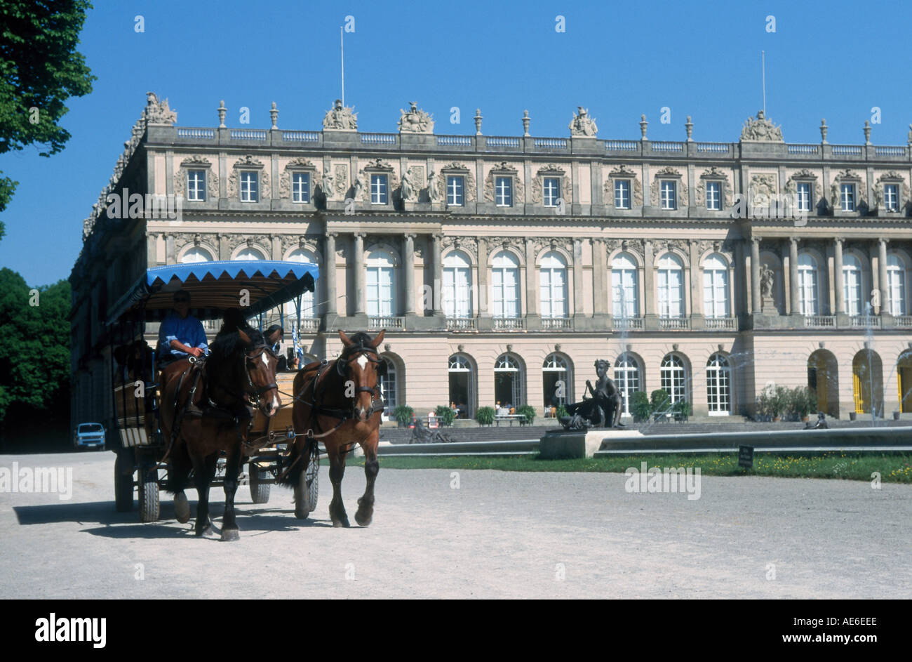 Horsedrawn carriage in front of castle, Herrenchiemsee Castle, Herreninsel, Bavaria, Germany - Stock Image