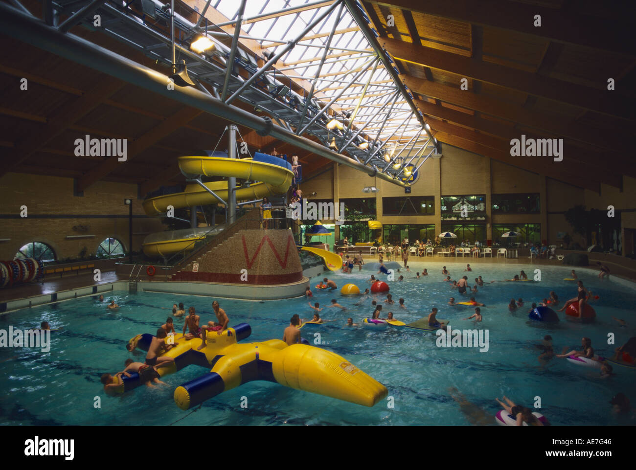Beach Splash Kingfisher Leisure Centre Surrey Full Hd Maps Locations Another World