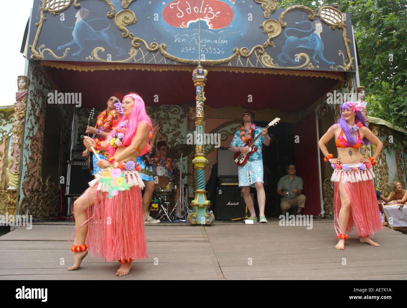 a Hawaiian style band perform at lovebox festival victoria park london july 2005 - Stock Image