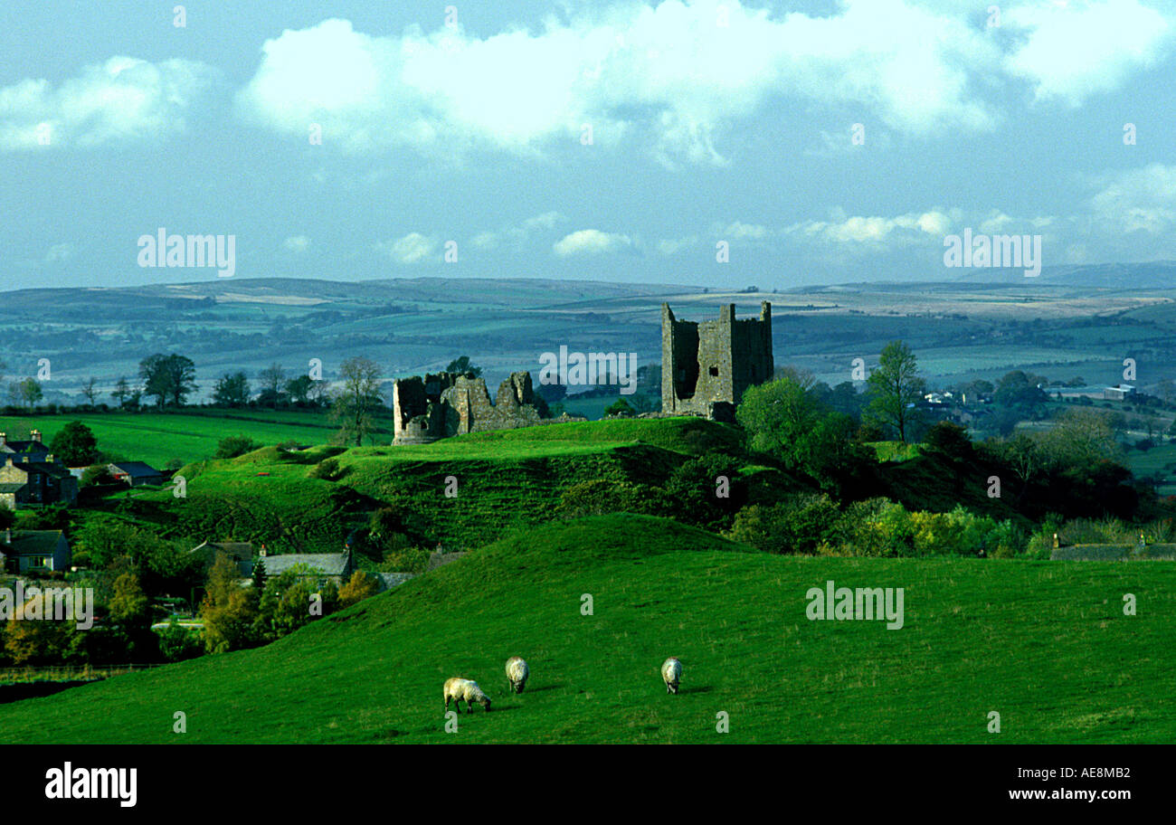 Brough antiquity old-building feudal Church-Brough village Verteris Castle Cumbria Pennines fortress medieval Norman Roman ruin - Stock Image