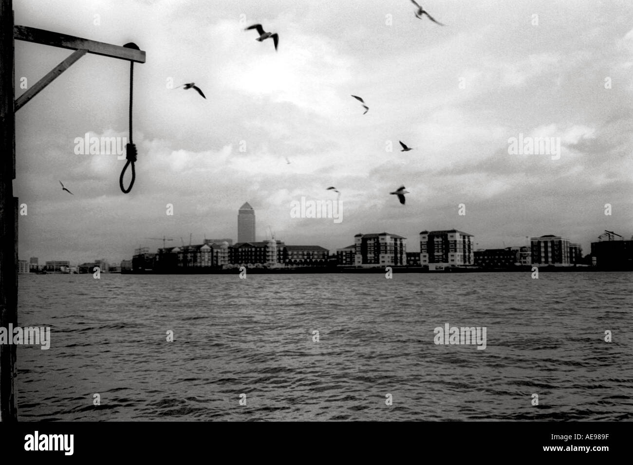Noose hanging over the river Thames, London, England UK - Stock Image