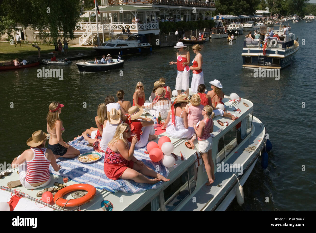 Hen Party A girls day out Henley Royal Regatta. Henley on  Thames Oxfordshire England PHOTO HOMER SYKES - Stock Image