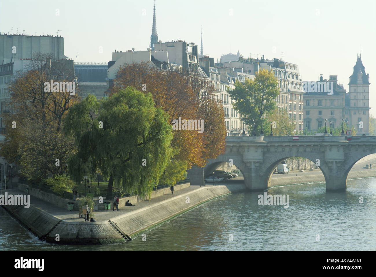 France Paris Ile Saint Louis And The Pont Neuf From The Pont Des Arts On The Seine River Banks At Fall - Stock Image