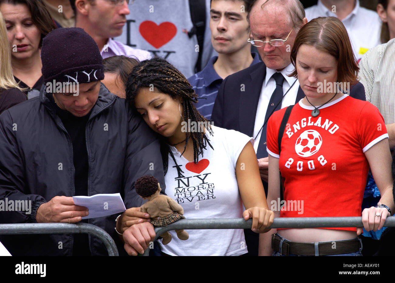 Emotional crowd at Service of Remembrance and Commemoration at St Paul s Cathedral for World Trade Center disaster 9 11 - Stock Image