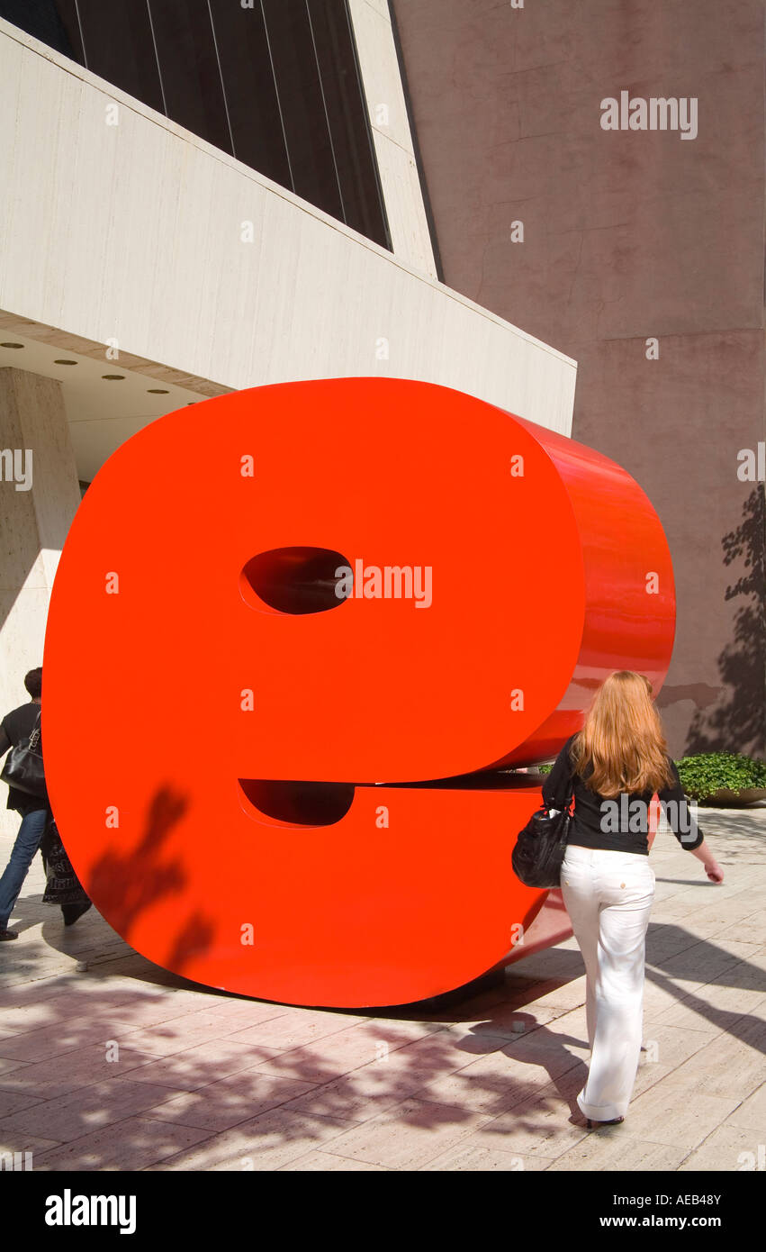 Ivan Chermayeff s Red 9 sculpture Nine West 57th Street Midtown Manhattan New York City New York USA Stock Photo