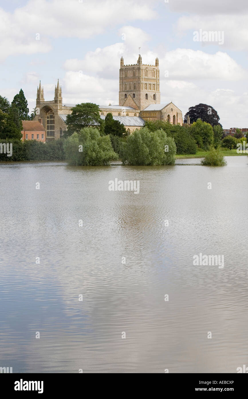 Tewkesbury Abbey surrounded by flood waters during  the Tewkesbury floods - Stock Image
