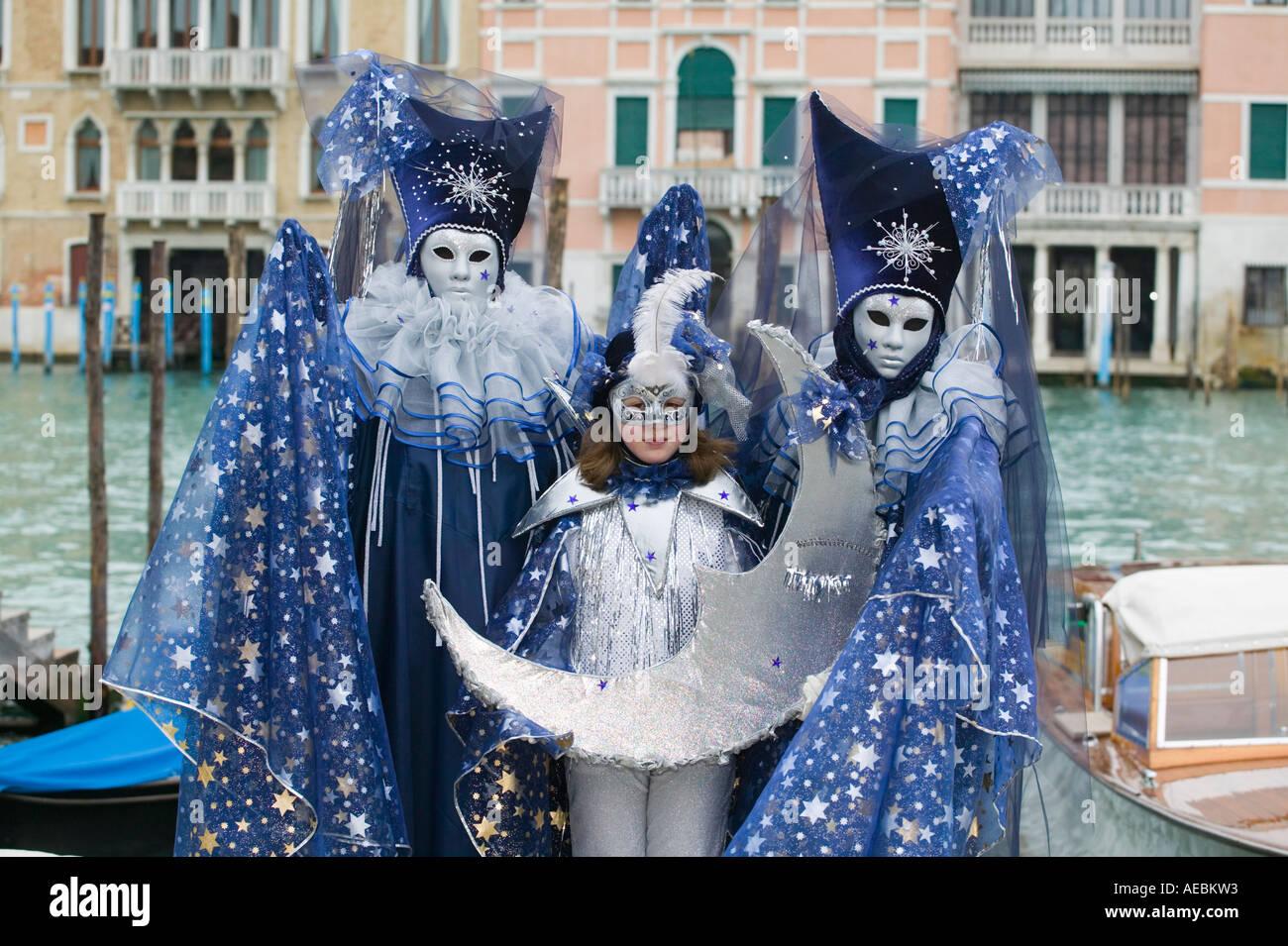 Family in carnival costumes, Carnival in Venice, Veneto ...