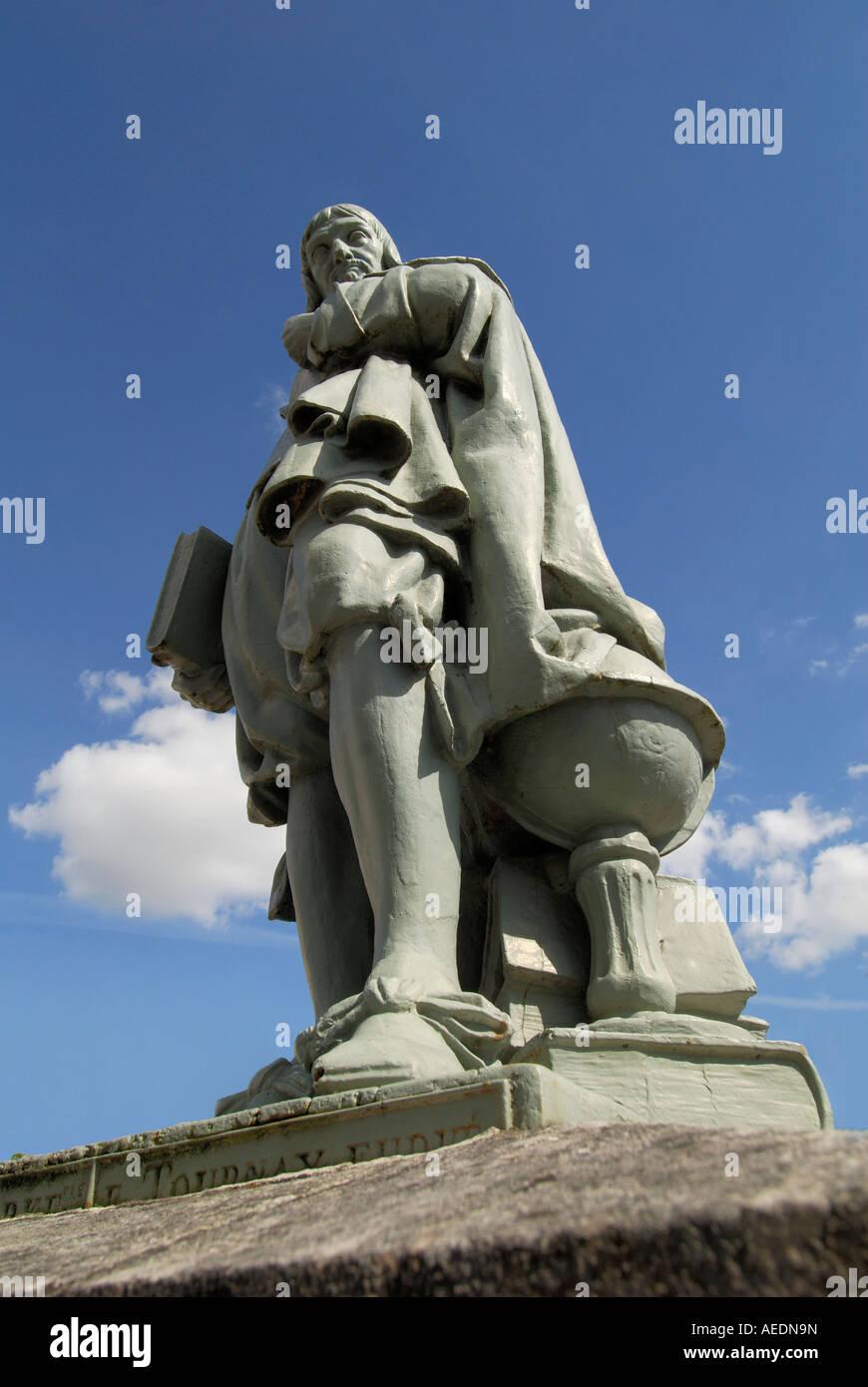 Bronze statue of philosopher René Descartes, Descartes, sud Touraine, France. Stock Photo