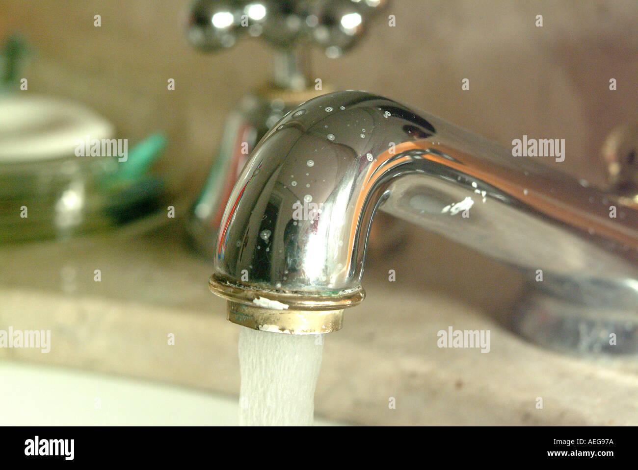 Sweet Home Bathroom Tap Sink Running Water Spigot Liquid Bench Stock