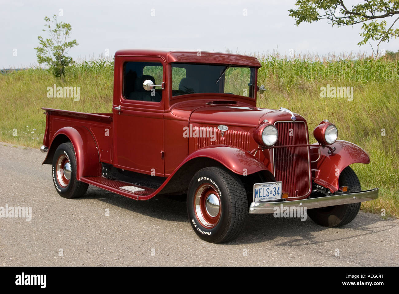 1934 ford pick up truck model b stock photo 13677047 alamy. Black Bedroom Furniture Sets. Home Design Ideas