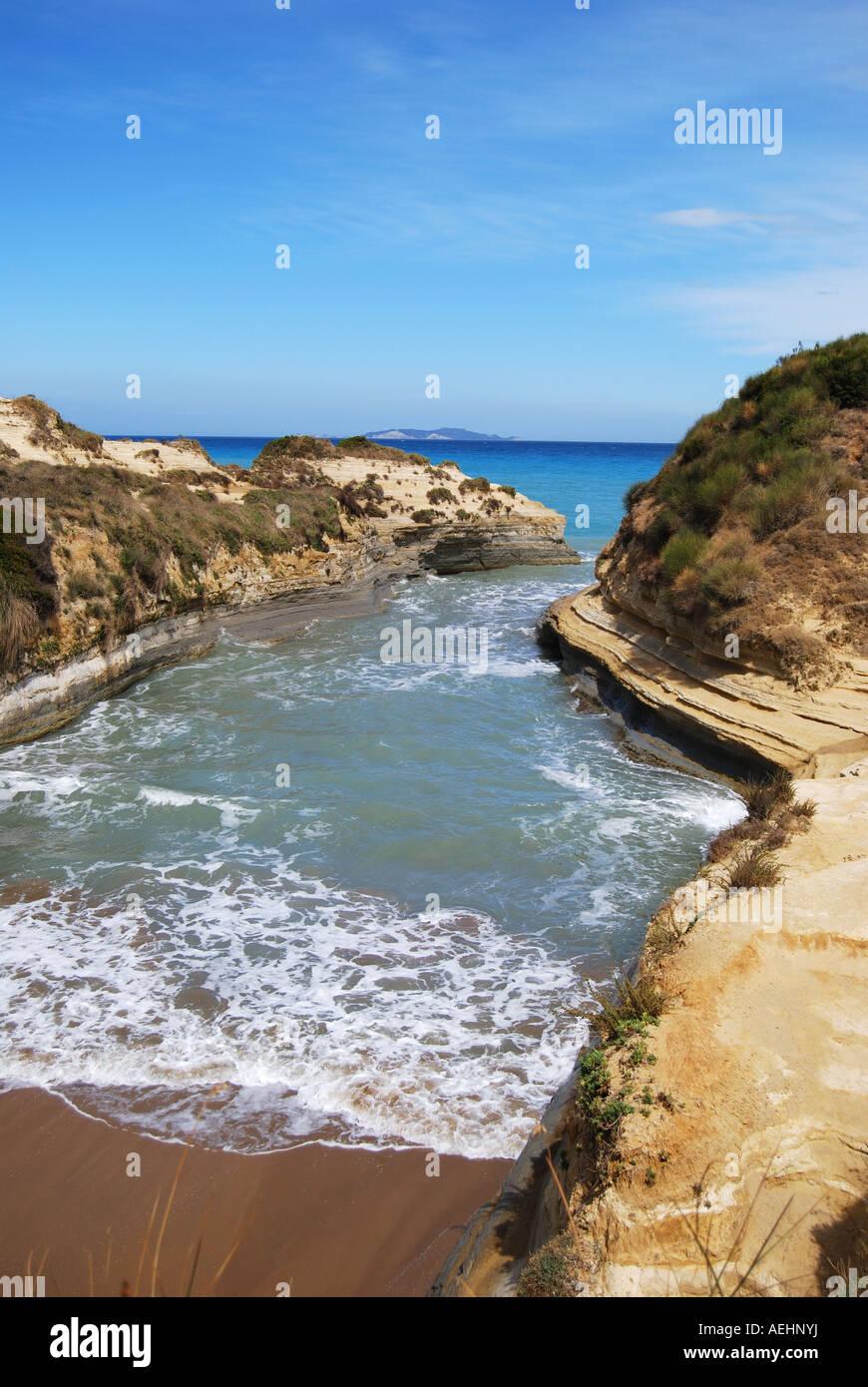 Sidari cliffs and beach, Canal d'Amour, Sadari, Corfu, Ionian Islands, Greece - Stock Image