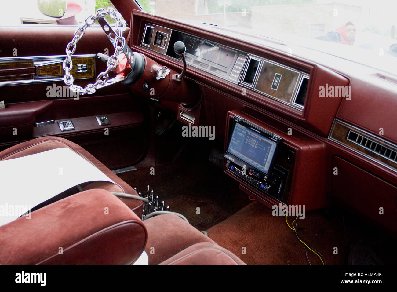 interior of oldsmobile cutlass supreme at the lowrider car show stock photo 13713990 alamy. Black Bedroom Furniture Sets. Home Design Ideas
