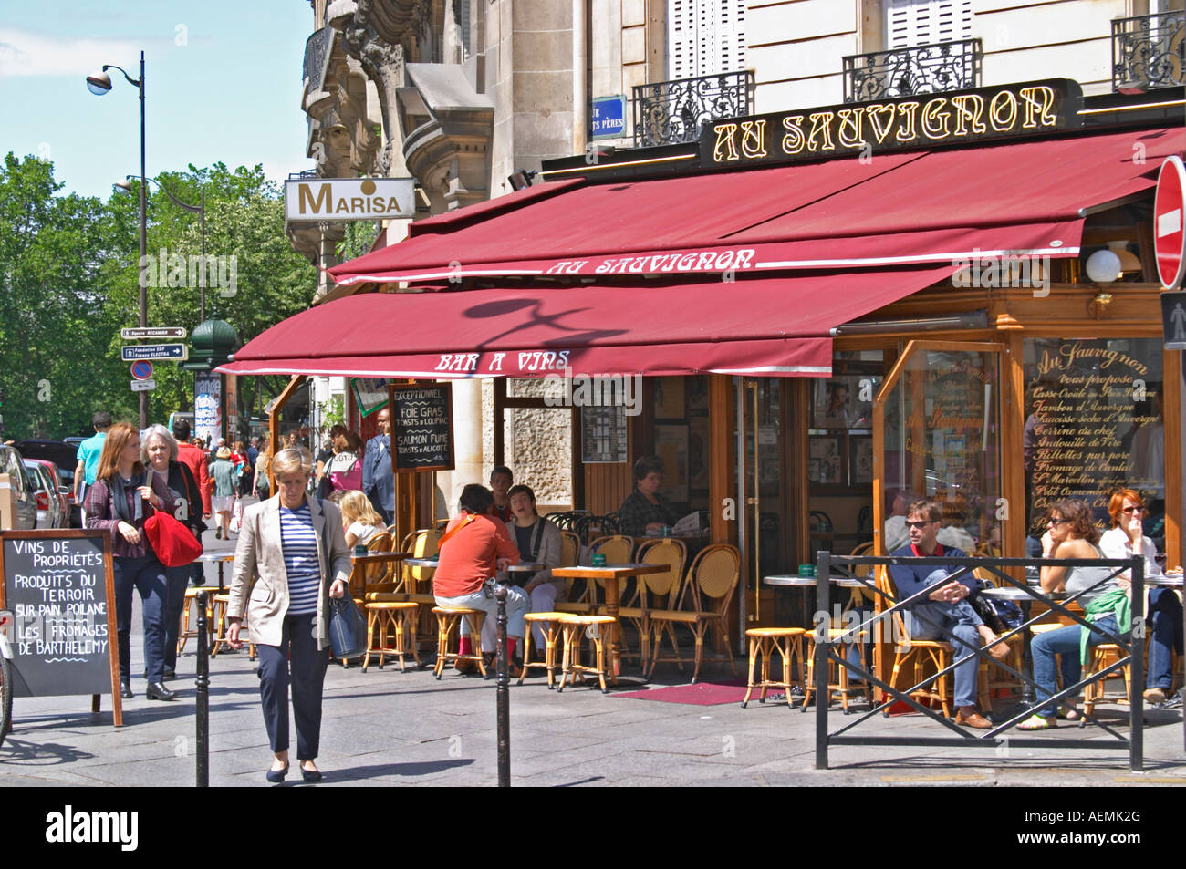 Au Sauvignon A Wine Bar And Restaurant In Paris With A