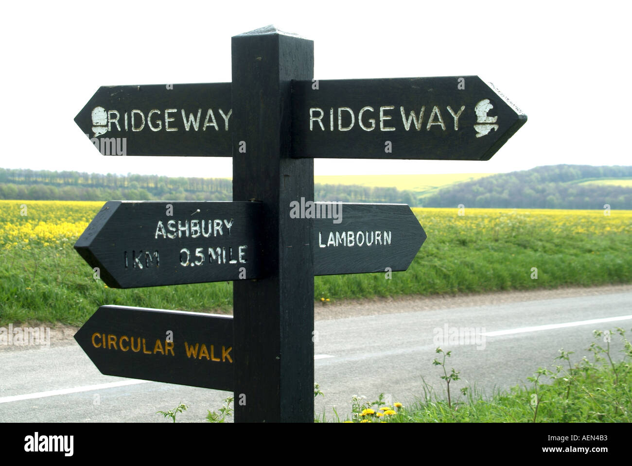 Signposts for the Ridgeway footpath near Ashbury on the Oxfordshire Berkshire borders - Stock Image
