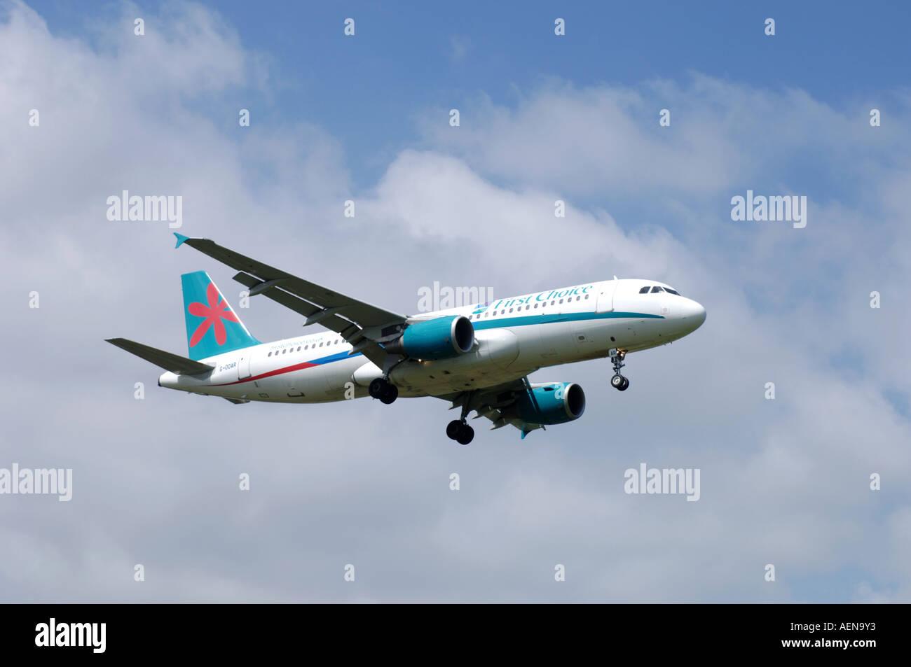 A320-214 Airbus Registration G-OOAR.   XAV-282 - Stock Image
