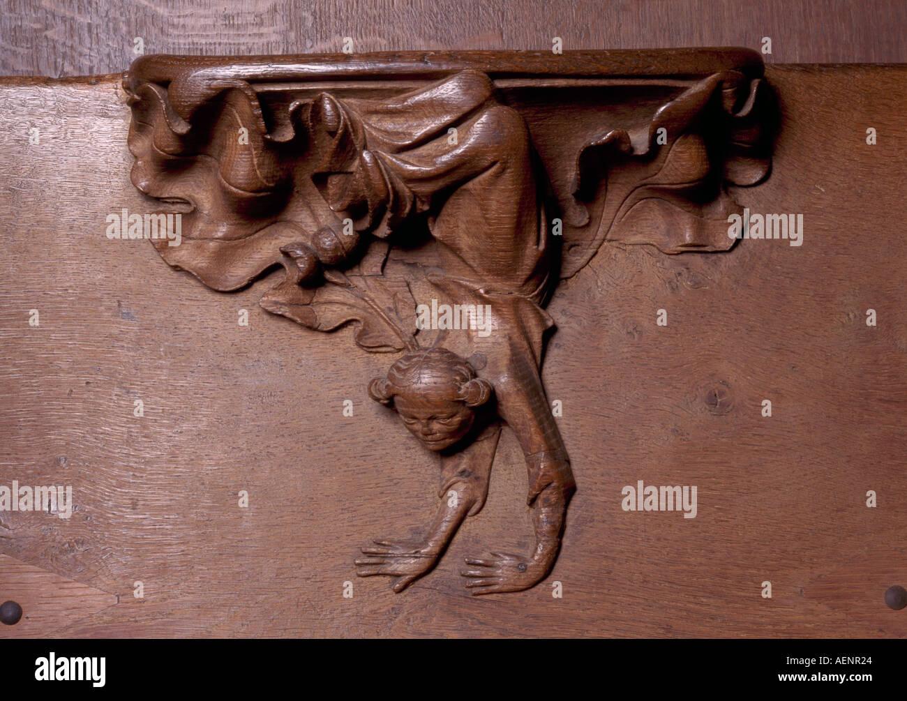 Köln, Dom, Detail des Chorgestühls, Frau im Handstand - Stock Image