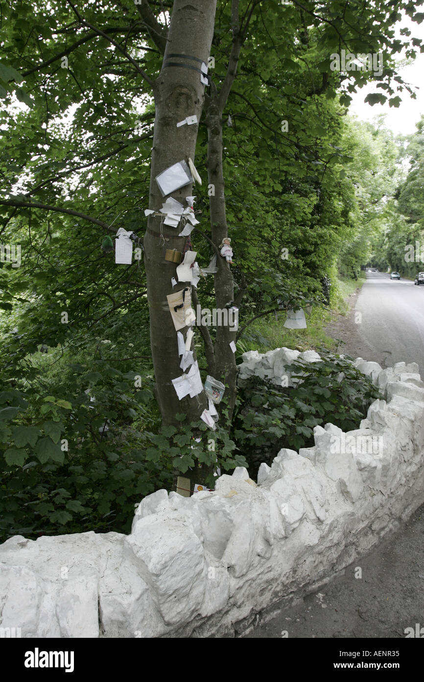 goodwill notes on the Fairy Bridge on the Douglas to Castletown road isle of man IOM - Stock Image