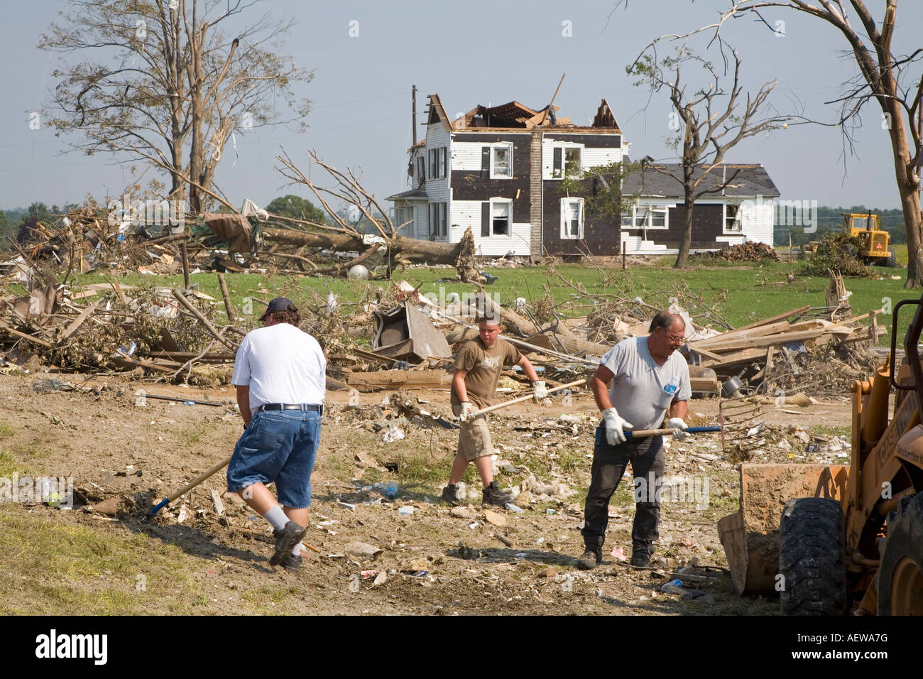 Volunteers Clean Up Tornado Damage - Stock Image