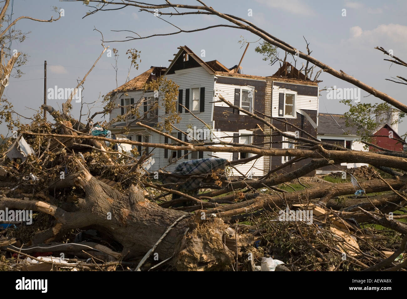 Potterville Michigan A home severely damaged by a tornado with a missing roof - Stock Image